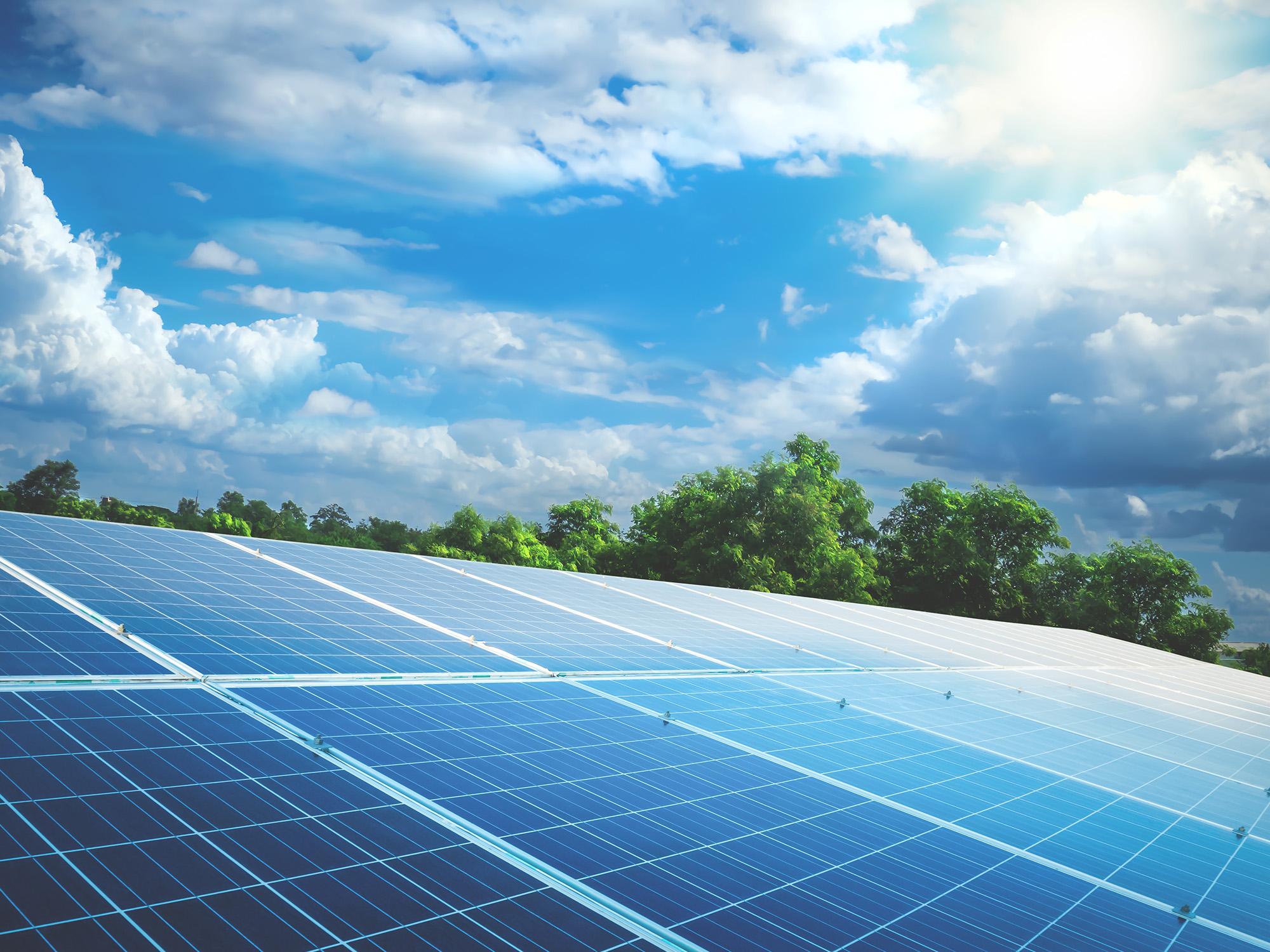 Solarpark in der Landschaft
