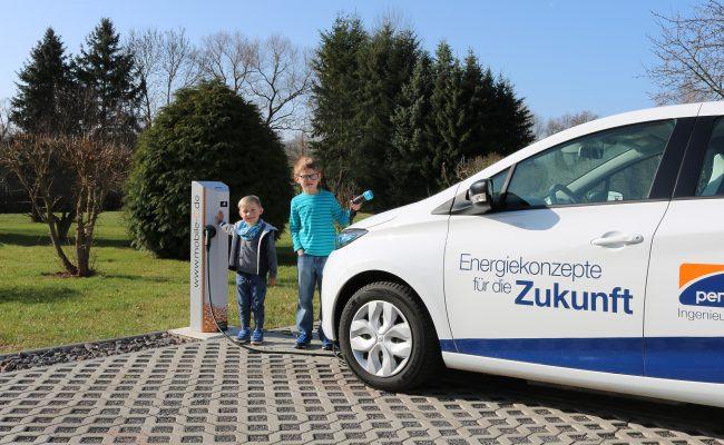 kinderleichtes Laden mit mobile-C Ladesäulen für eCars, PEM-energy GmbH
